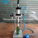 Semi automatic manual pneumatic crown capper for beer bottle
